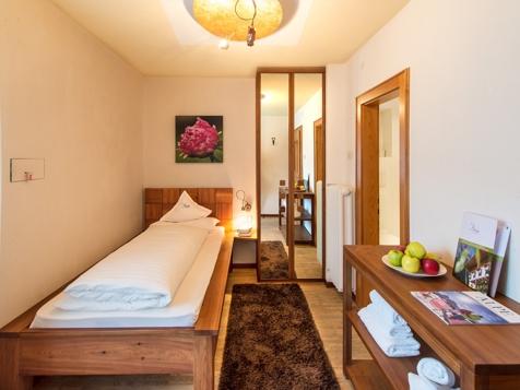 Einbettzimmer-1