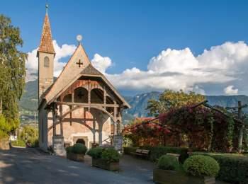 Parish church in Kuens