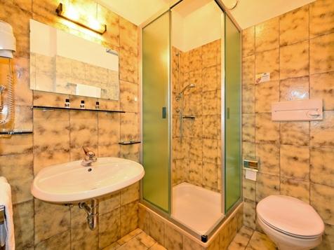 Doppelbettzimmer Meran 2000-2