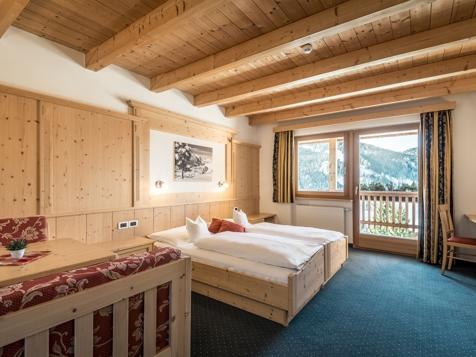 Superior Zimmer für 3 - 5 Personen mit Balkon-3