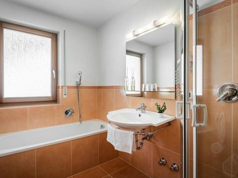 Superior Zimmer für 3 - 5 Personen mit Balkon-10