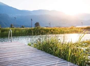 Ponte nella piscina naturale di Gargazzone