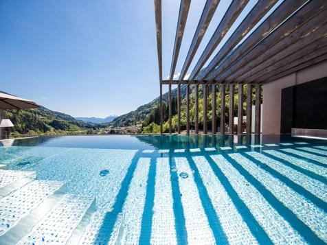 Luxus Chalet mit Pool-1