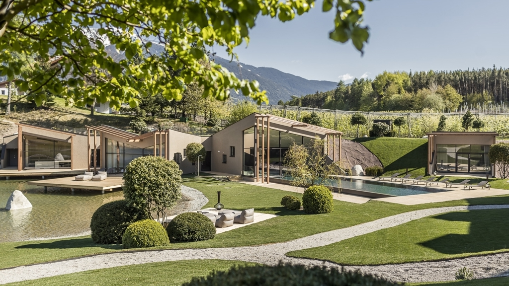 Seehof nature retreat di naz sciaves valle isarco www for Seehof hotel bressanone