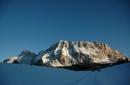 Sonnenskilauf in den Dolomiten