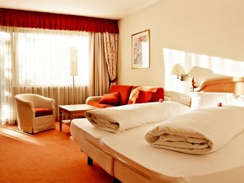 Doppelbettzimmer Giardino (ca. 35 m²)-1