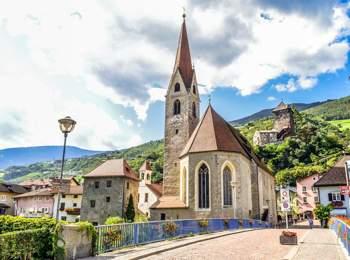 St. Andreas parish church in Klausen