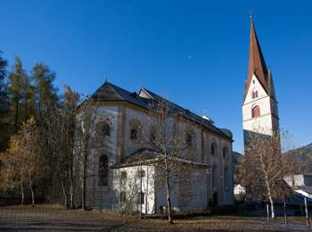 St. Nikolaus parish church in Obervintl
