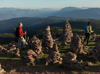 Stone cairns (Hohe Reisch)