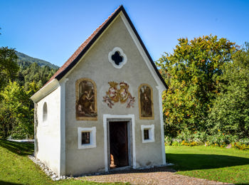The cemetery chapel in Ehrenburg
