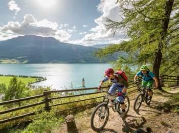Tour in bici nell'area vacanze Passo Resia
