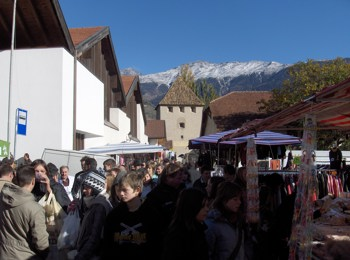 Traditional All Souls' Day market