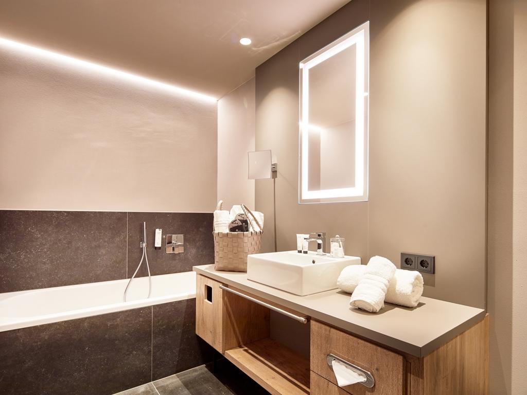 viktoria alpine spa resort in hafling die besten hotels in s dtirol hier buchen. Black Bedroom Furniture Sets. Home Design Ideas