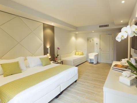 Splendid Dreibett-Zimmer-1