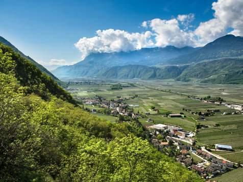 Vista su Postal e la Valle dell'Adige