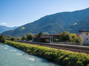 Zugbahnhof in Plaus
